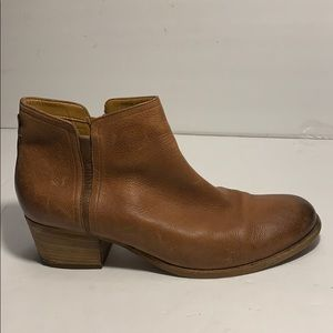 Clarks🔸brown leather boots shoes size 10M